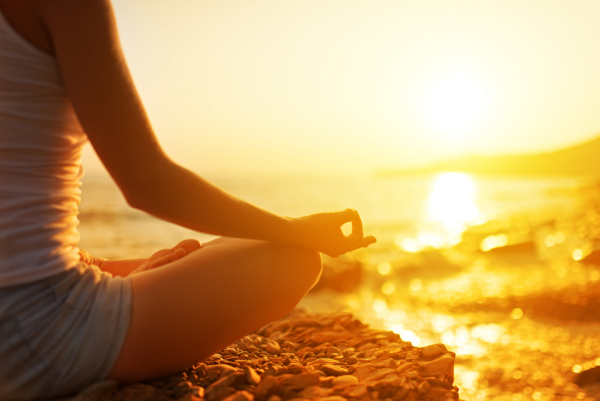 Mit Yoga zu sich selbst finden und Stress reduzieren.